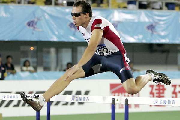 Chris Carter (USA) flies to men's 400m Hurdles gold (Getty Images)