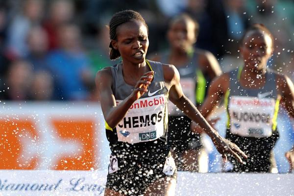 Milcah Chemos en route to an African record in Oslo (Mark Shearman)