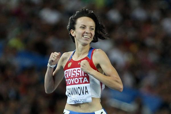 Mariya Savinova of Russia crosses the finish line to claim victory in the women's 800 metres final (Getty Images)