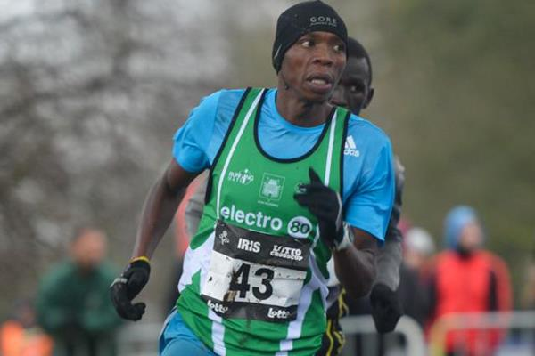 Alex Kibet on his way to victory in Brussels (Erik van Leeuwen)