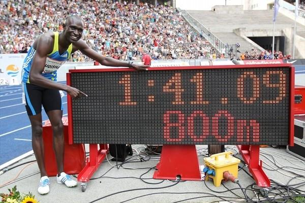 The picture says it all - David Rudisha with his World record numbers in Berlin (/ Bongarts)