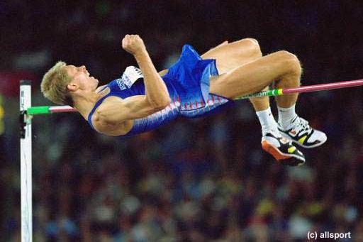Men's high jump Sergey Klyugin (© Allsport)