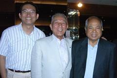 Yubi Inoue (centre) in 2011, at at the Reunion of 1991 IAAF World Championships LOC members in Tokyo (Yukio Seki)