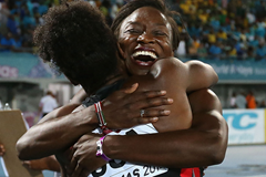 Jeneba Tarmoh and Tianna Bartoletta celebrate their 4x100m victory at the IAAF World Relays (Getty Images)