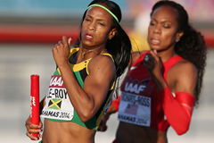 Anastasia Le-Roy of Jamaica leads from USA's Sanya Richards-Ross in the 4x400m at the IAAF World Relays (Getty Images)