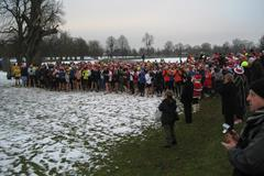 A typical weekly parkrun event during winter in Bushy Park, London (parkrun / David Rowe)