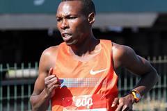 Bedan Karoki at the 2014 EDP Lisbon Half Marathon (Andrew McClanahan / organisers.)
