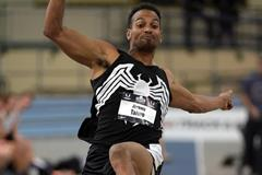Jeremy Taiwo in the heptathlon long jump at the US Indoor Championships (Kirby Lee)