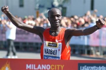 Beating the heat, Solomon Bushendich takes the Milano City Marathon in 2:10:38 (Lorenzo Sampaolo)