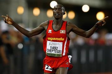 Joshua Cheptegei wins the 10,000m at the 2014 IAAF World Junior Championships in Eugene (Getty Images)