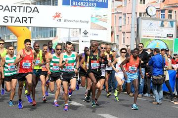 Men's start at the 2015 EDP Lisbon Half Marathon (Victah Sailer / Photorun.com)