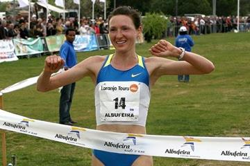 Jelena Prokopcuka takes another victory at the Almond Blossom Cross Country (Almond Blossom Cross organisers)