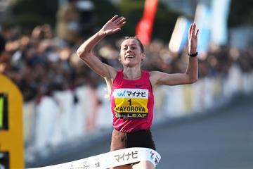 Albina Mayorova wins at the 2013 Yokohama Women's Marathon (Getsuriku Toshihide Higuchi)