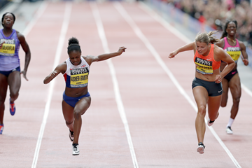 Dina Asher-Smith finishes just ahead of Dafne Schippers (Getty Images)