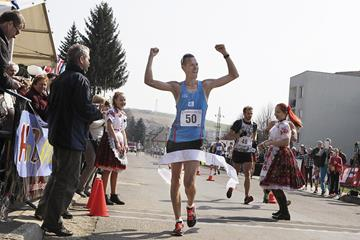 Matej Toth smashes the 50km course record in Dudince (Jan Viazanicka / SITA)