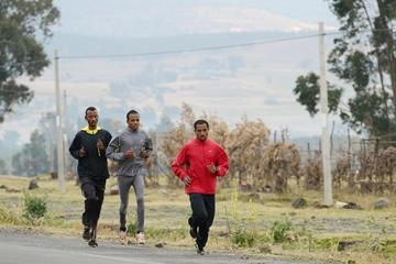 Kenenisa Bekele training in Ethiopia (Paul Gains)