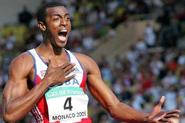 Victor Moya celebrates his 2.35m win in Monaco (AFP/Getty Images)