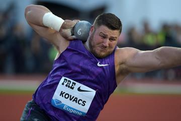 Joe Kovacs at the 2015 IAAF Diamond League meeting in Eugene (Kirby Lee)