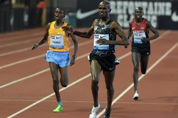Mo Farah winning the 10,000m at the 2015 IAAF Diamond League meeting in Eugene (Kirby Lee)