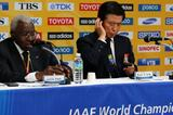 President Lamine Diack and Mayor of Daegu Kim Bum-il at the IAAF / LOC Press Conference in Daegu, 4 Sep 2011 (Getty Images)