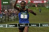 Samuel Tsegay taking the win in Amorebieta (Unai Sasuátegui)