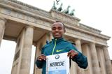Tsegaye Kebede ahead of the 2014 BMW Berlin Marathon (organisers / www.photorun.net)