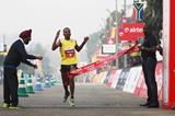 Atsedu Tsegay wins the 2013 Delhi Half Marathon (Organisers)