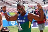 A jubilant Anderson Henriques after winning the 400m at the 2014 ODESUR Games (Oscar Muñoz Badilla)
