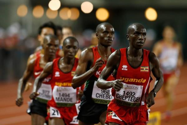 Joshua Cheptegei leads the 10,000m at the 2014 IAAF World Junior Championships in Eugene (Getty Images)